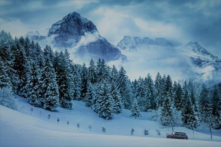 jak się przygotować na wyjazd autem w góry?