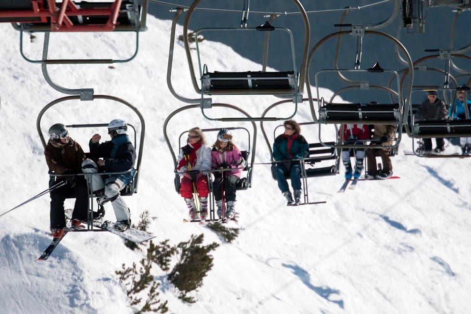 Narty kontra deska snowboardowa